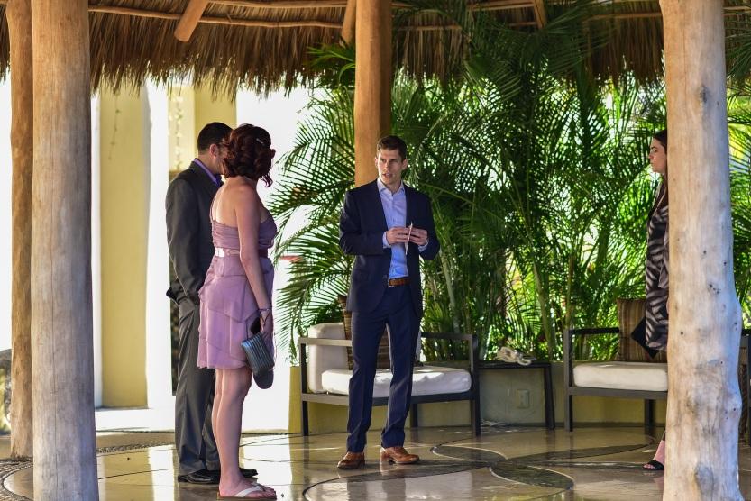Lauren-and-Shawn-at-Garza-Blanca-Resort-Puerto-Vallarta-Mexico17