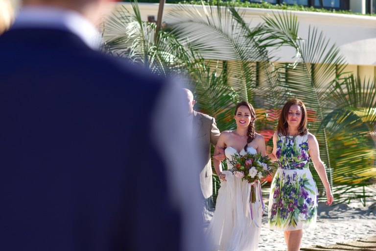 Lauren-and-Shawn-at-Garza-Blanca-Resort-Puerto-Vallarta-Mexico35