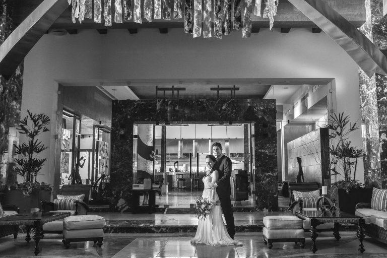 Lauren-and-Shawn-at-Garza-Blanca-Resort-Puerto-Vallarta-Mexico56