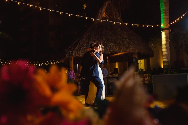 Lauren-and-Shawn-at-Garza-Blanca-Resort-Puerto-Vallarta-Mexico84