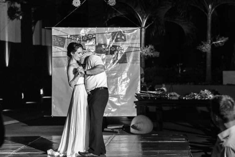 Lauren-and-Shawn-at-Garza-Blanca-Resort-Puerto-Vallarta-Mexico88