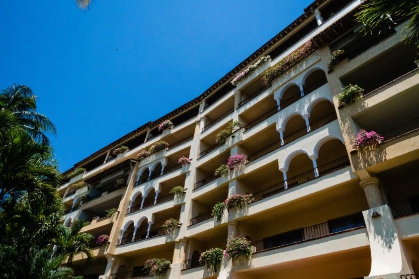 Puerto-Vallarta-Wedding-Photographer-planner2